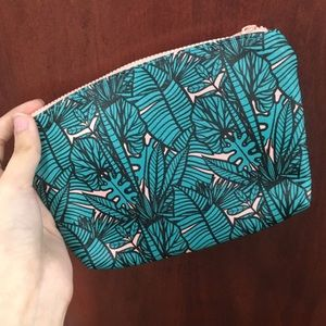 Ipsy coin purse // makeup bag // leafy print